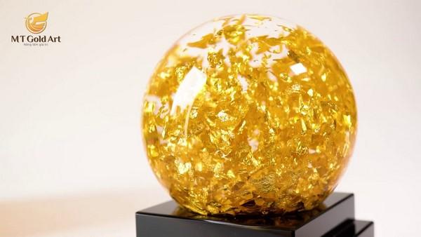 quả cầu pha lê vàng lá 24k